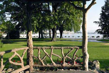 Restauration du pavillon rustique du jardin anglais for Jardin anglais geneve suisse