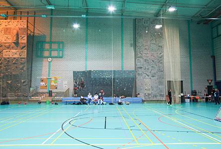 Centres sportifs et stades lieux de sport sport for Piscine varembe